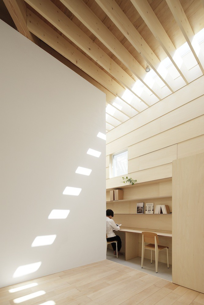 5 modern japanese houses without windows japanese design for House interior lights designs